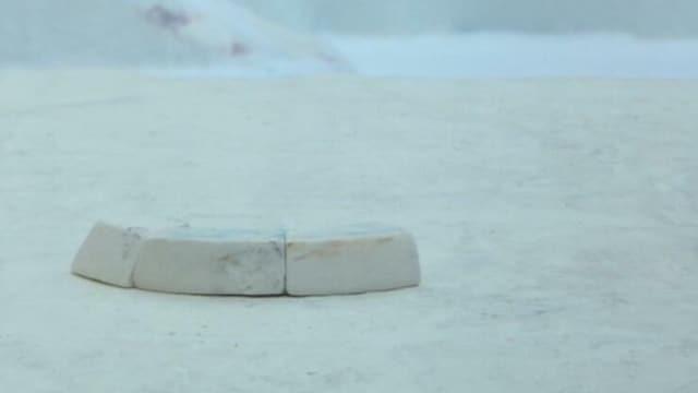 15. Pingu rakentaa iglun