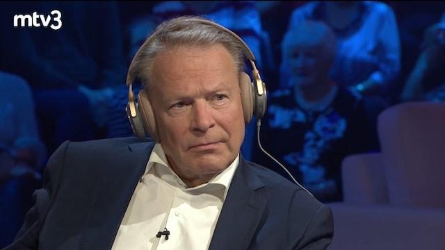 Viihdeuutiset, Mistä Ilkka Kanervaa huomautetaan kotona?