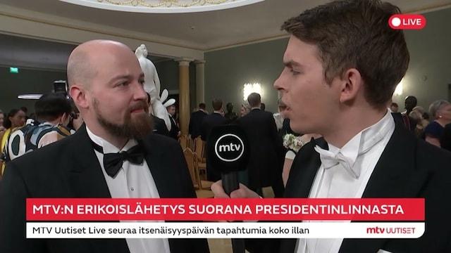 Linnan juhlat 2019, Keskustan kansanedustaja Mikko Kärnä kertoo viettävänsä itsenäisyyspäivää perinteisissä merkeissä – vakuuttaa välien olevan kunnossa SDP:n kanssa
