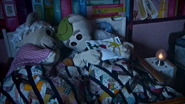 1. Ti-Ti Nalle: Nukkumatti sipsuttaa...
