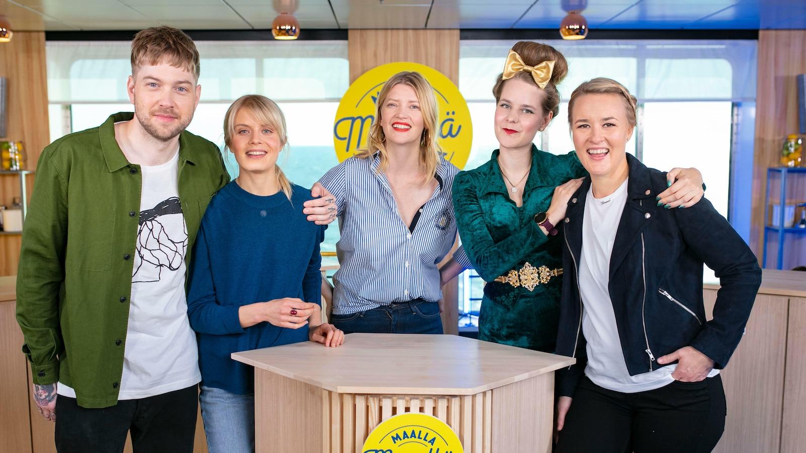1. Alina Tomnikov ja Ina Mikkola