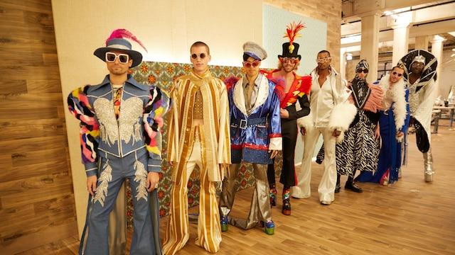 9. Elton Johnin tyyliin