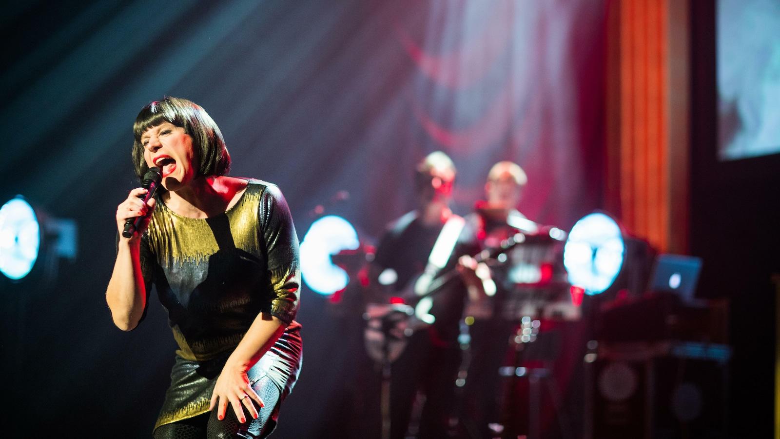1. Jarkko Tamminen Show - Livenä lavalla