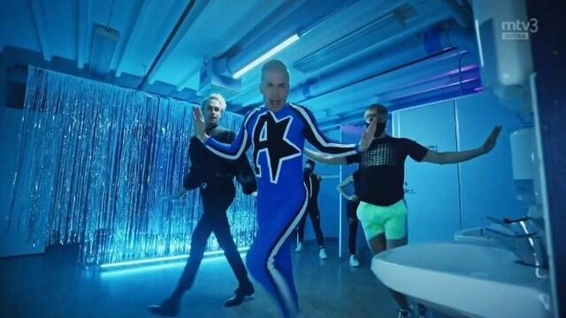 Putous, Antti Tuiskulta räjäyttävä aloitusshow – Putouksen näyttelijät antautuvat tanssin pyörteisiin