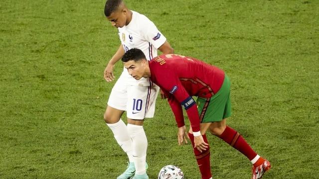 Jalkapallon EM-kisat, Paidattomat Cristiano Ronaldo ja Kylian Mbappe veljellisissä tunnelmissa EM-trillerin kulisseissa