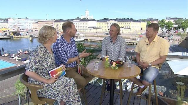 1. Kari Aihinen ja Jaakko Saariluoma sekä Erika Vikman