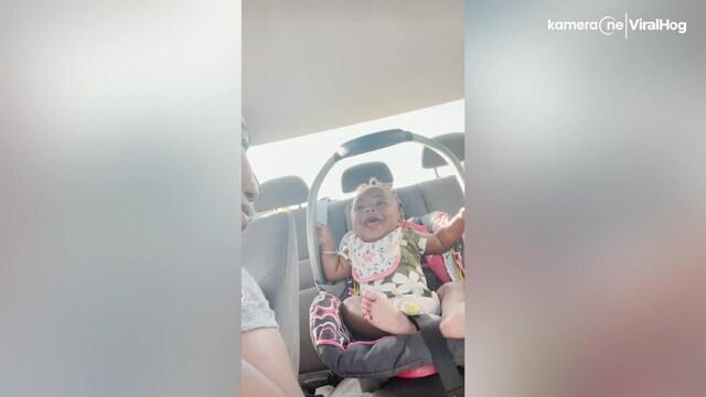 Lifestyle, Vauva repeää äitinsä jutuille totaalisesti – pystytkö katsomaan videon nauramatta?