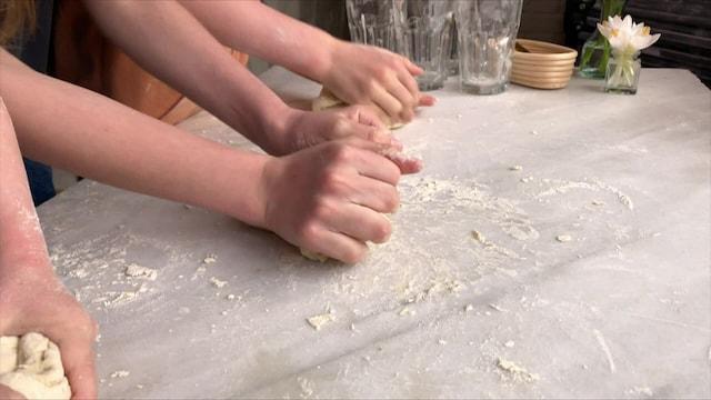 Jamie Oliver: Kaikki kokkaamaan, Jakso 14: Lapset pastapuuhissa