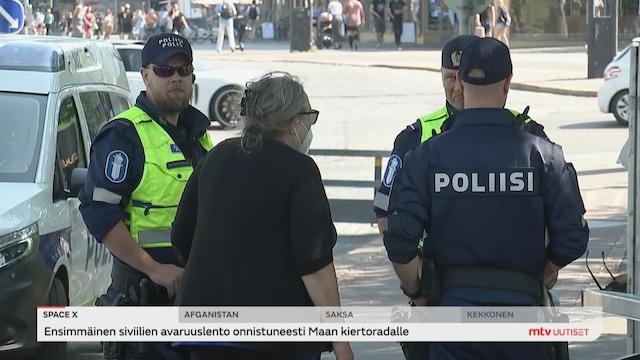 Uutisjutut: Kotimaa, Oppositio hiillosti hallitusta poliisien määrärahoista