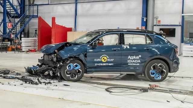 Autot, Lynk & Co 01 loisti Euro NCAPin törmäystestissä