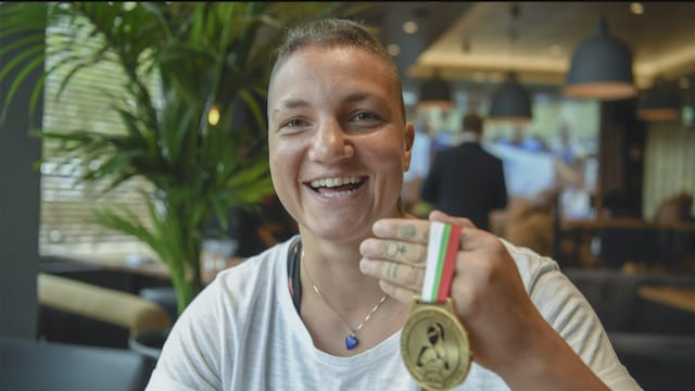 Viiden Jälkeen, Haastattelussa TTK-parketilla nyt hurmaava entinen nyrkkeilijä Elina Gustafsson