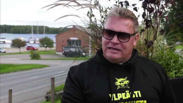 """Liiga, Pekka Virta näkee SaiPa-projektissa yhtäläisyyksiä aikaansa Kuopiossa: """"Mää olen näissä kokenut"""""""