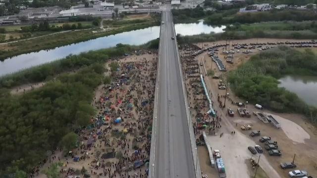 """MTV Uutiset Live, """"Ei ole etelärajaa, on vain kaaosta"""" – kymmenettuhannet siirtolaiset ovat kerääntyneet Texasin rajalle"""