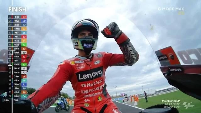 MotoGP: San Marinon GP, Francesco Bagnaia toisti viikon takaisen temppunsa - tällä kertaa Fabio Quartararo pysyi takana viimeisellä kierroksella