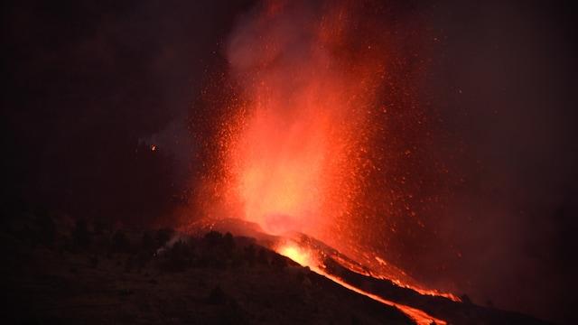 Live klo 8.00, La Palman tulivuori purkautuu parhaillaan – seuraa suorana