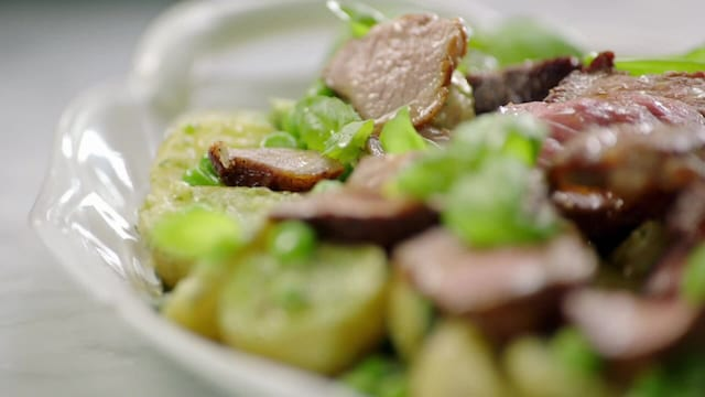 Jamie Oliver: Kaikki kokkaamaan, Jakso 15: Kohti pääsiäistä