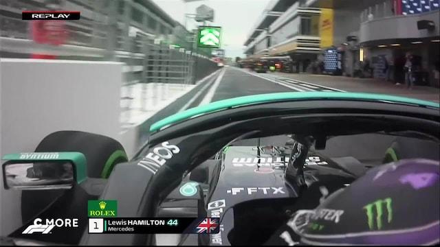 Formula 1: Venäjän GP, Lewis Hamilton rikkoo etusiipensä varikon sisääntulossa