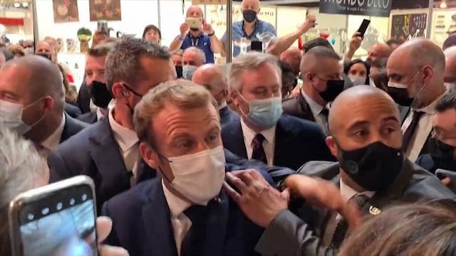 Uutisklipit, Mielenosoittaja heitti Emmanuel Macronia kananmunalla – katso videolta presidentin reaktio