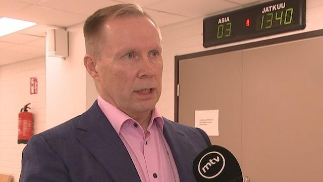MTV Uutiset Live, Käräjäoikeus määräsi tänään 38-vuotiaan miehen vangittavaksi todennäköisin syin epäiltynä murhan yritykseen – näin tyutkinnanjohtaja kommentoi tapahtumia