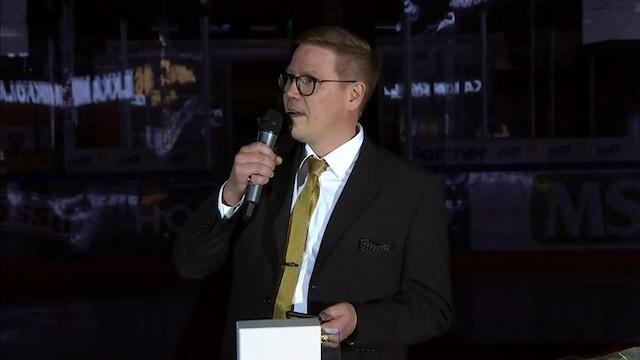 Liiga, Kärpät muisti Ilkka Mikkolaa pitkän kaavan mukaan