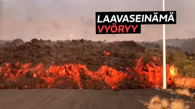 """Uutisklipit, Korkea """"laavaseinämä"""" vyöryi pysäyttämättömästi tietä pitkin La Palmassa – katso paljonpuhuvan video"""