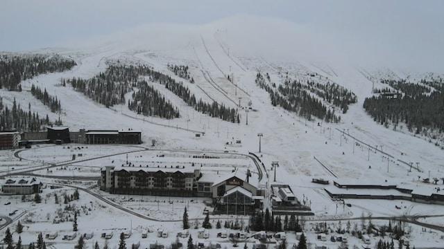 MTV Uutiset Live, Lappi sai kauniin lumipeitteen– katso video Ylläkseltä: Tältä lumen peittämä maisema näyttää ilmasta kuvattuna