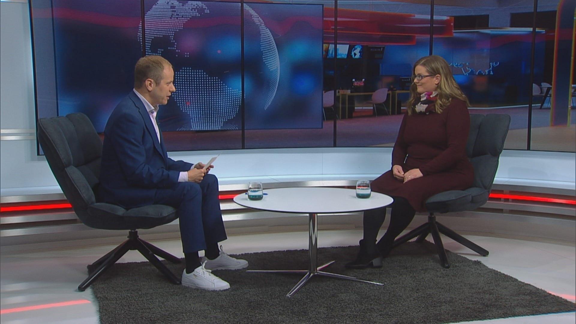MTV Uutiset Live, Uutisextrassa vieraana Maahanmuuttoviraston johtaja Pauliina Helminen