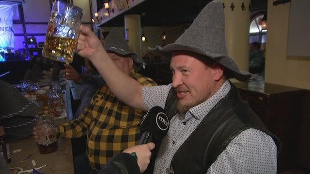 """MTV Uutiset Live, Koronapassi otettiin myönteisesti vastaan helsinkiläisessä baarissa: """"Nyt saadaan ryypätä aamuun asti, kippis sille!"""""""