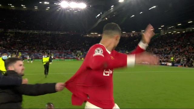 Mestarien liiga, Kentälle rynnännyt katsoja yritti käydä Ronaldoon kiinni