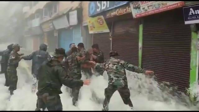 Uutisklipit, Intiassa ja Nepalissa rajuja tulvia – vesimassat tallentuivat videolle