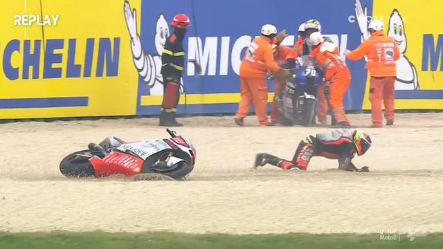 Moto2: Emilia-Romagnan GP, Kaatumissuma aika-ajoissa: kuljettajia nurin kuin liukuhihnalta