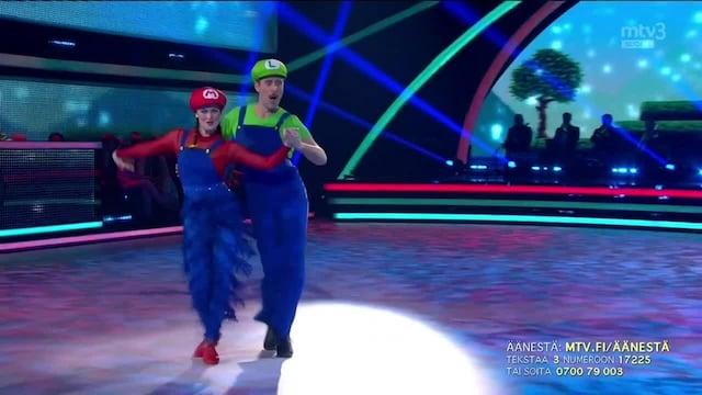 Tanssii Tähtien Kanssa, Waltteri & Kia – Super Mario Theme