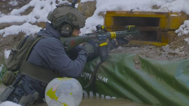 MTV Uutiset Live, Lopen ampumaradalla järjestettiin fyysisesti ja henkisesti raskas ja ampumakilpailu – uniikki konsepti on tuotu jenkeistä Suomeen