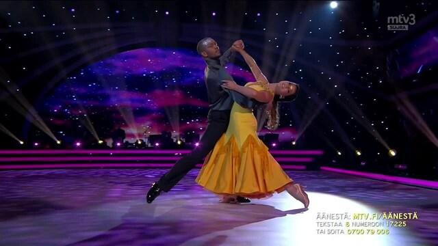 Tanssii Tähtien Kanssa, Erkku & Anniina - Le Moulin
