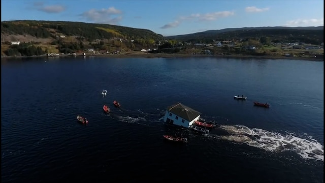 Lifestyle, Kanadalaispariskunta siirsi unelmien talonsa merenlahden toiselle puolelle 90 kilometrin päähän
